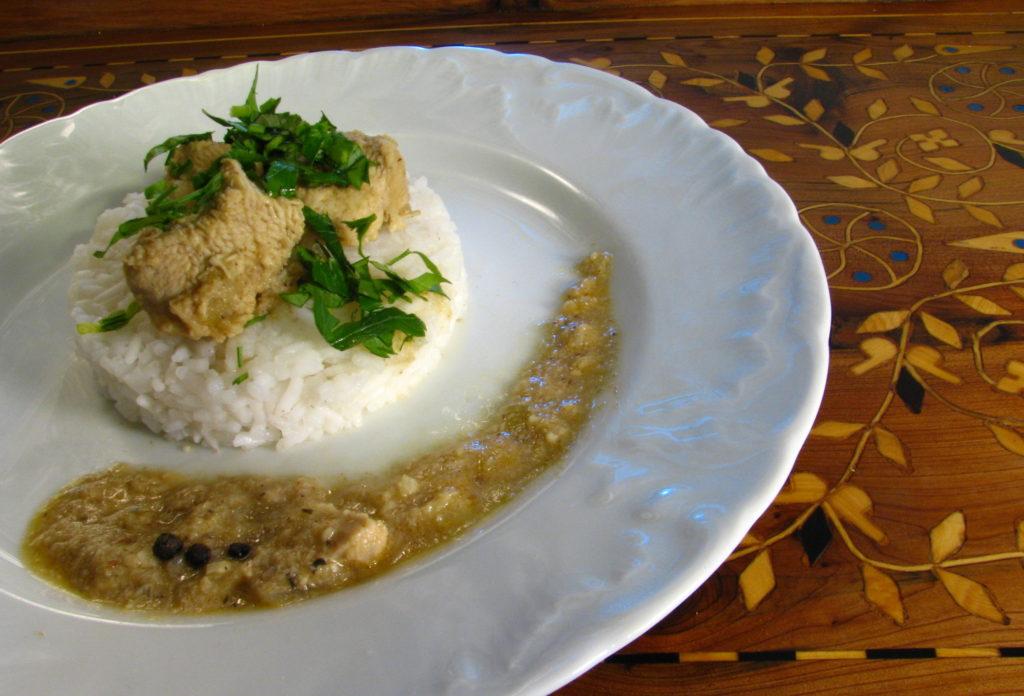 Kurczak korzenny w sosie migdałowym, smaki Maroka, kuchnia marokańska, najstarszy gulasz na świecie, korzenny gulasz, pyszny gulasz, starodawny gulasz