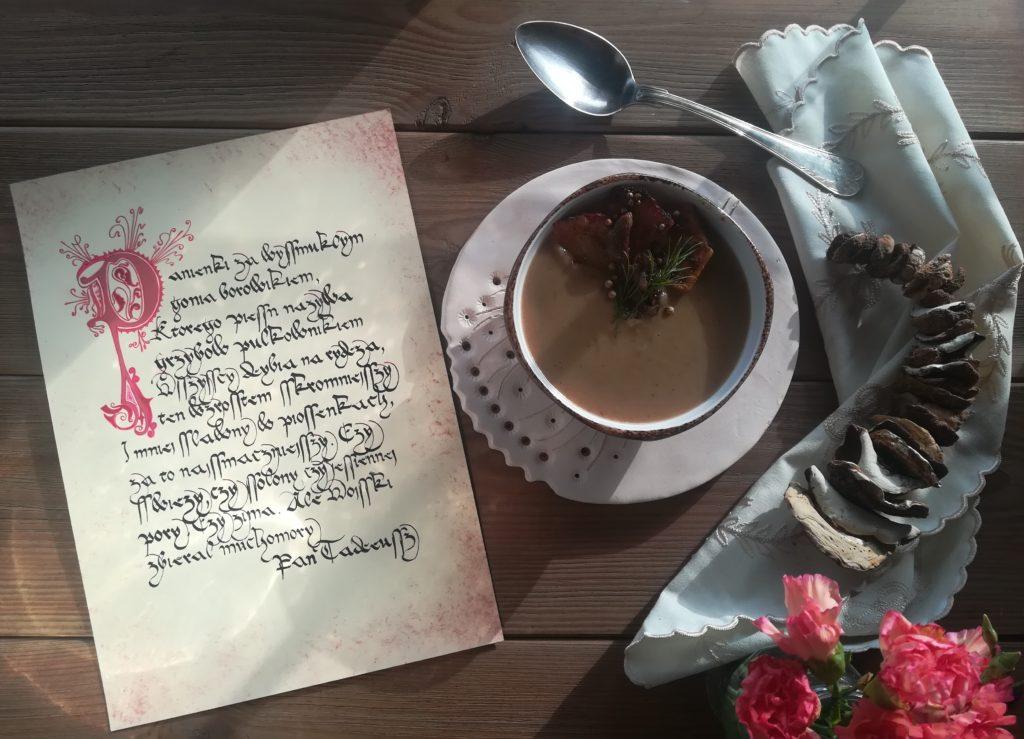 staropolski przepis na zupę grzybową, zupa z pieczonymi ziemniakami i grzybami