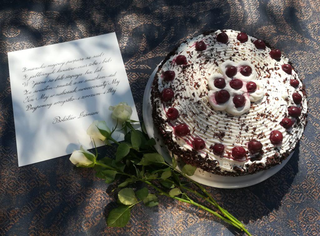 tort z wiśniami, tort z czereśniami, torty i ciasta le cordon bleu, torty na przyjęcia, tort na urodziny, tort na specjalne okazje, jak wykorzystać wiśnie, sprawdzone przepisy na torty
