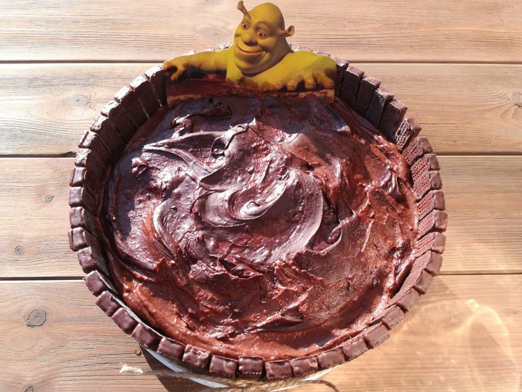 tort orzechowo kawowy, pomysły na tort dla dzieci, pyszne torty, masa kawowa do tortu, masa orzechowa do tortu, torty urodzinowe