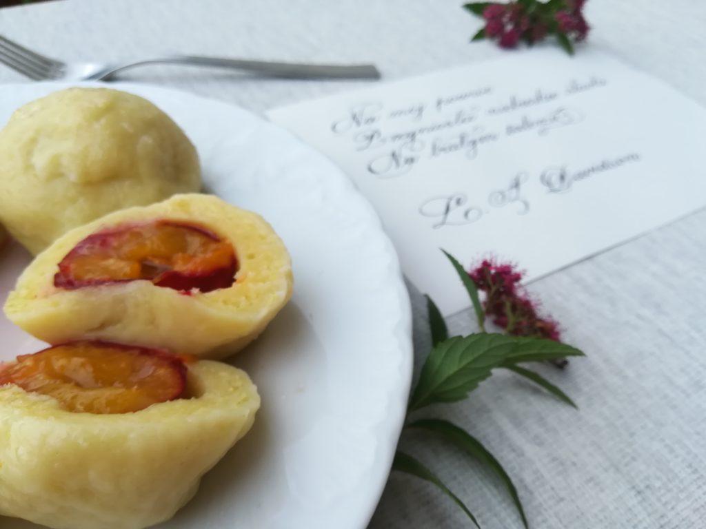 Knedle jak u babci, sprawdzony przepis na knedle ze śliwkami, ciasto na knedle, food&calligraphy, foodbloger, kaligrafia kulinarna