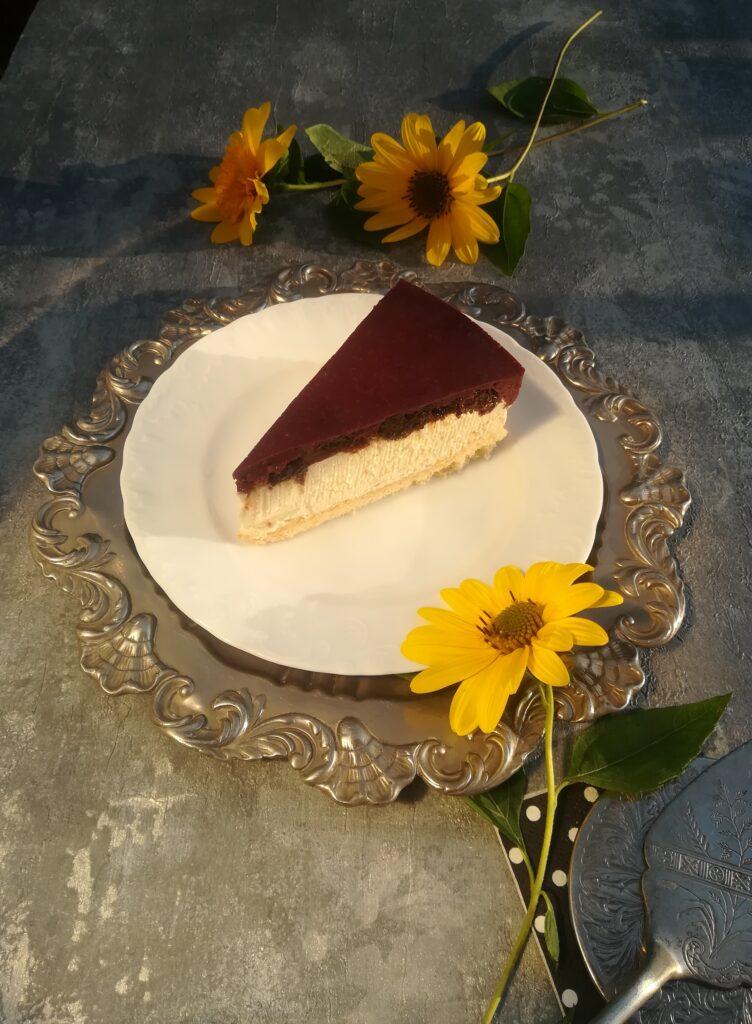 pomysł na prosty tort, tort ze śliwkami kalifornijskimi, tort z galaretką